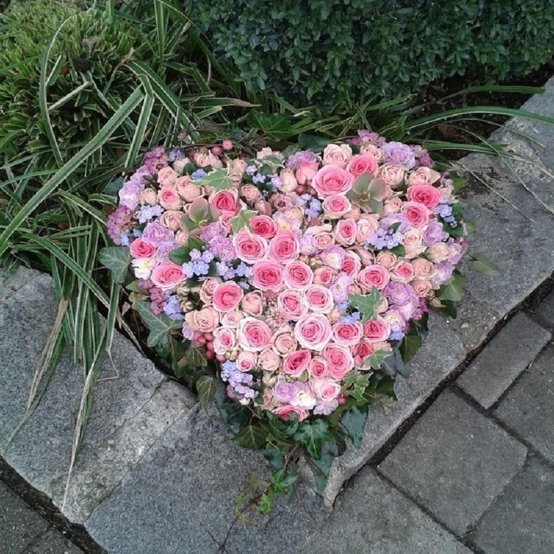 geschlossenes Herz rosa